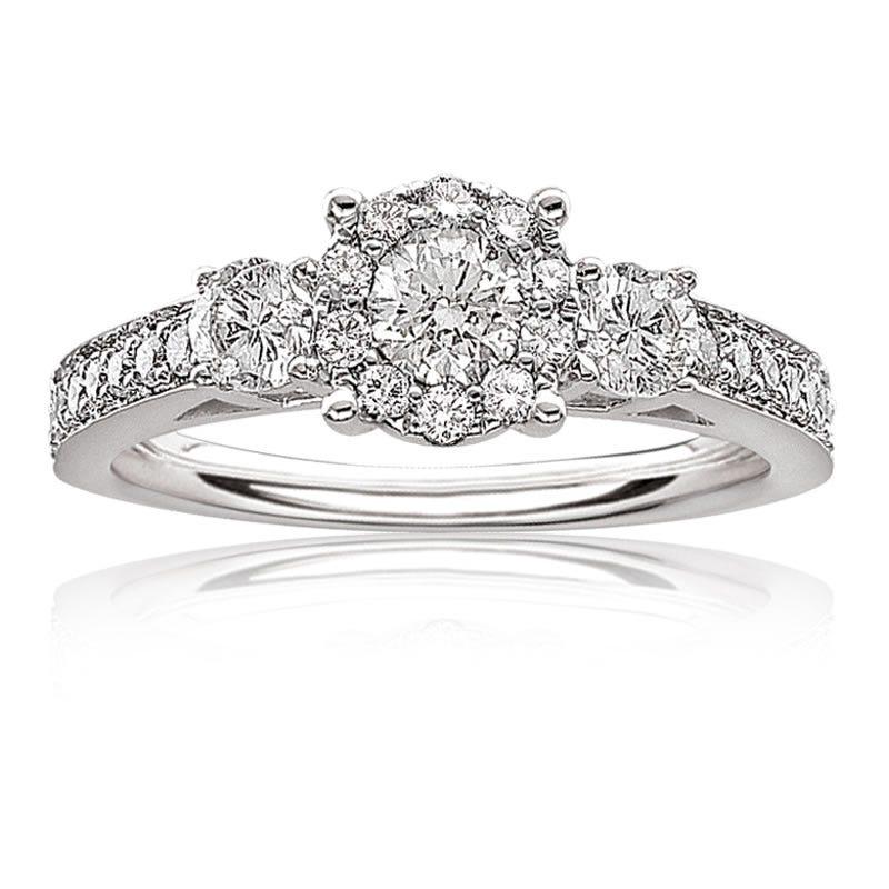 Serie Brilliant-Cut Three Stone Engagement Ring