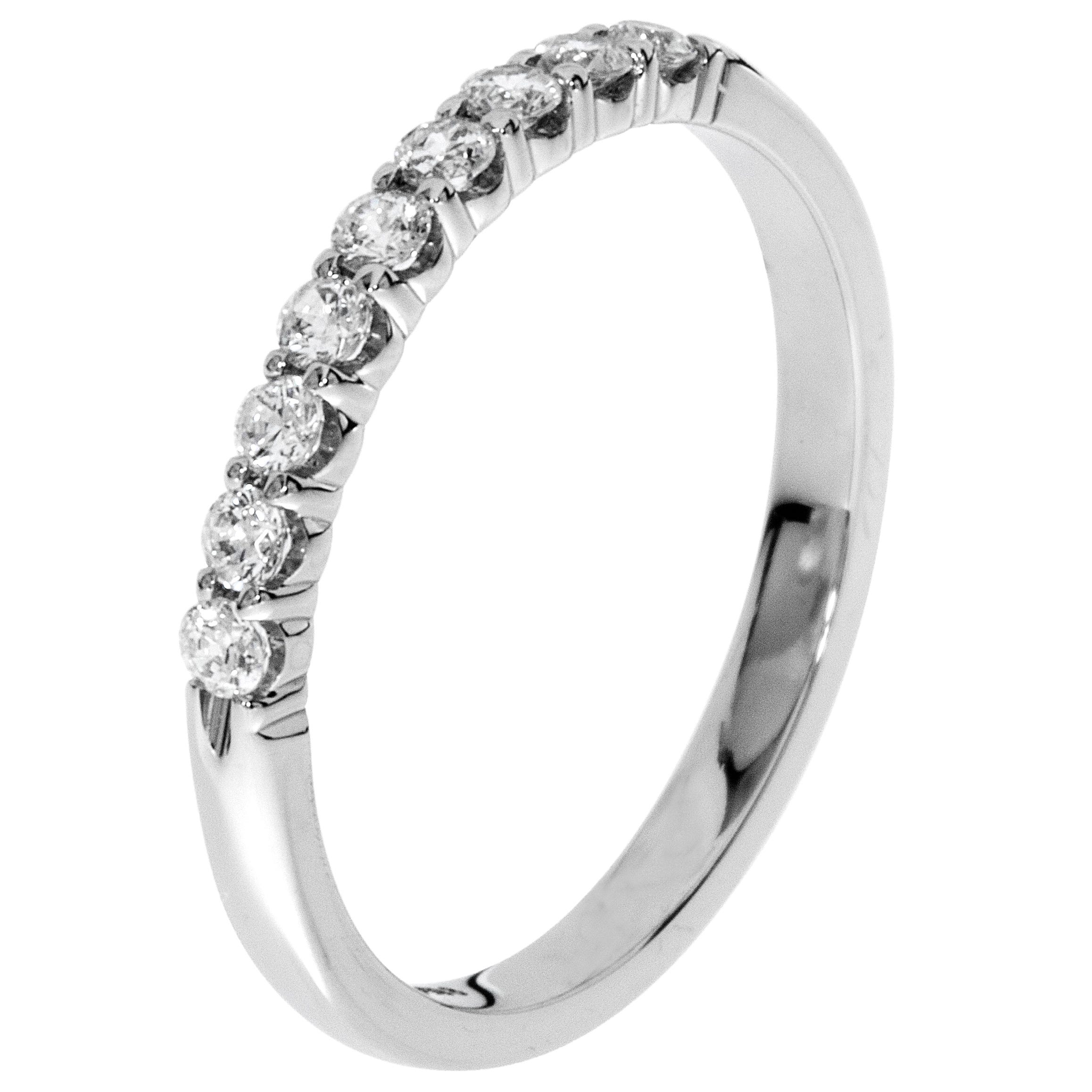 Platinum Diamond Wedding Band 1/4 ctw. (H-I, I1)