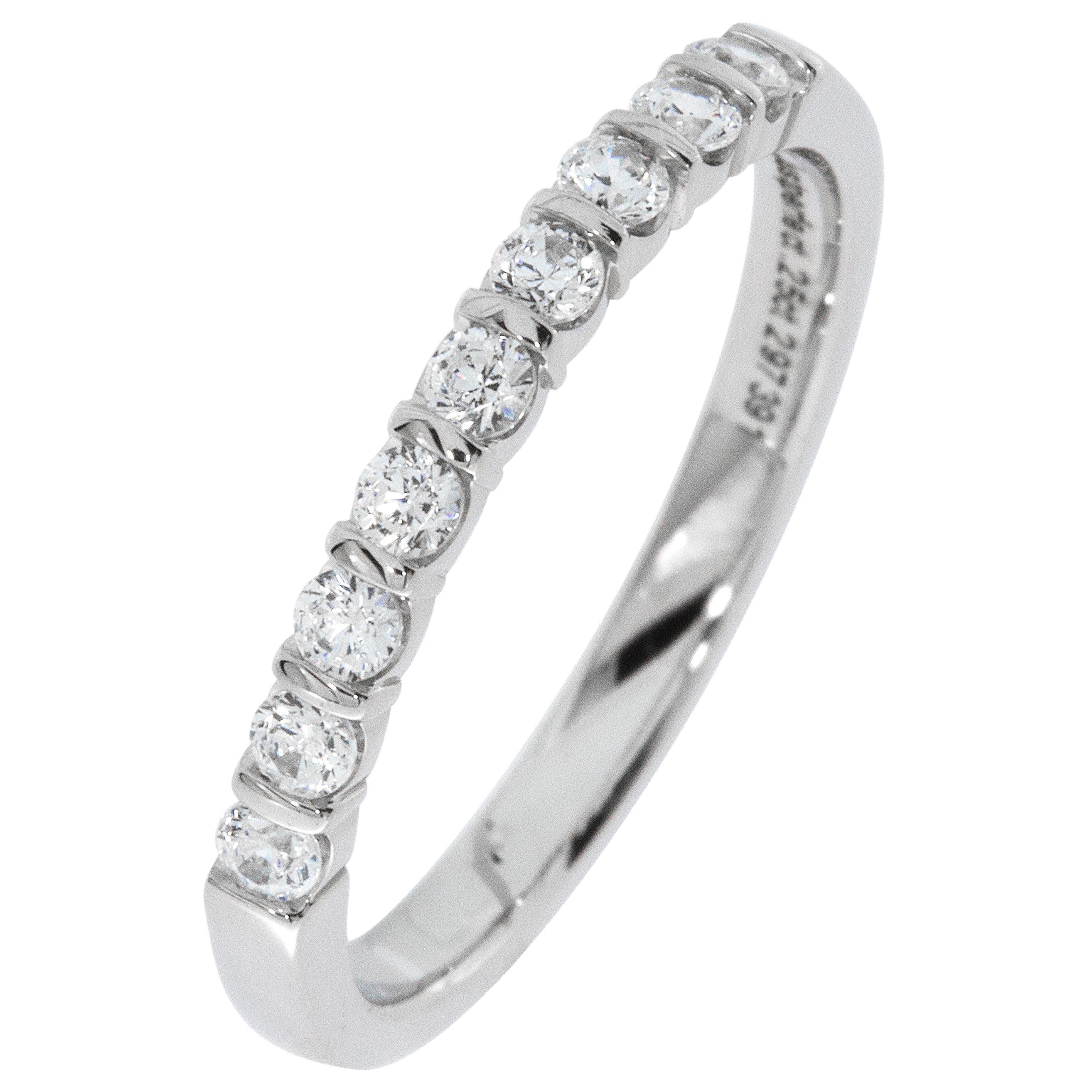 Ladies' 9-Stone 1/4ctw. Bar-Set Diamond Wedding Band in Platinum (HI, I1-I2)