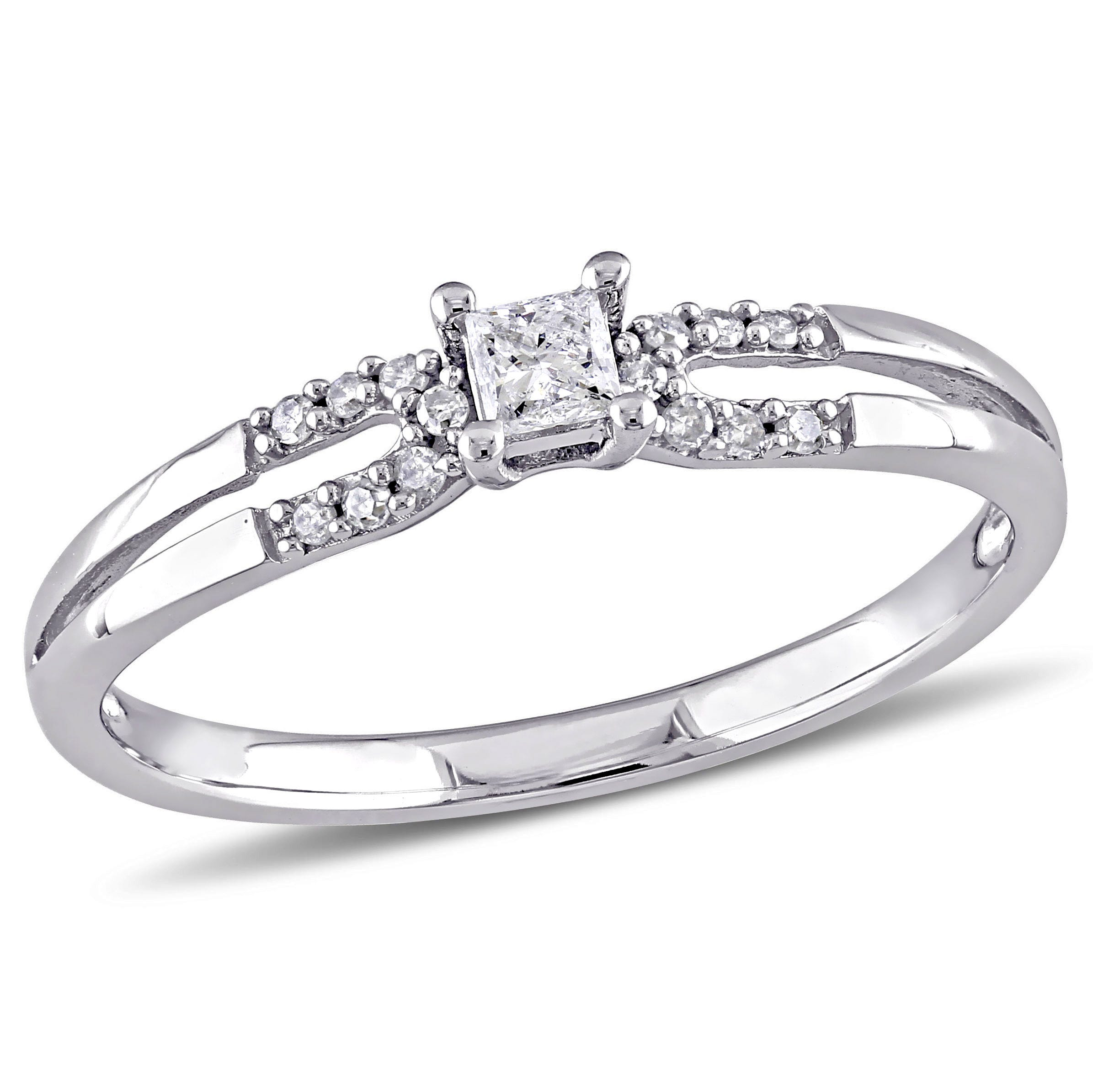 Princess & Round Cut Diamond Promise Ring 1/6ctw. in 10k White Gold