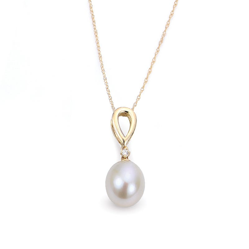 Imperial Pearl Classic Pearl & Diamond Pendant in 10k Yellow Gold