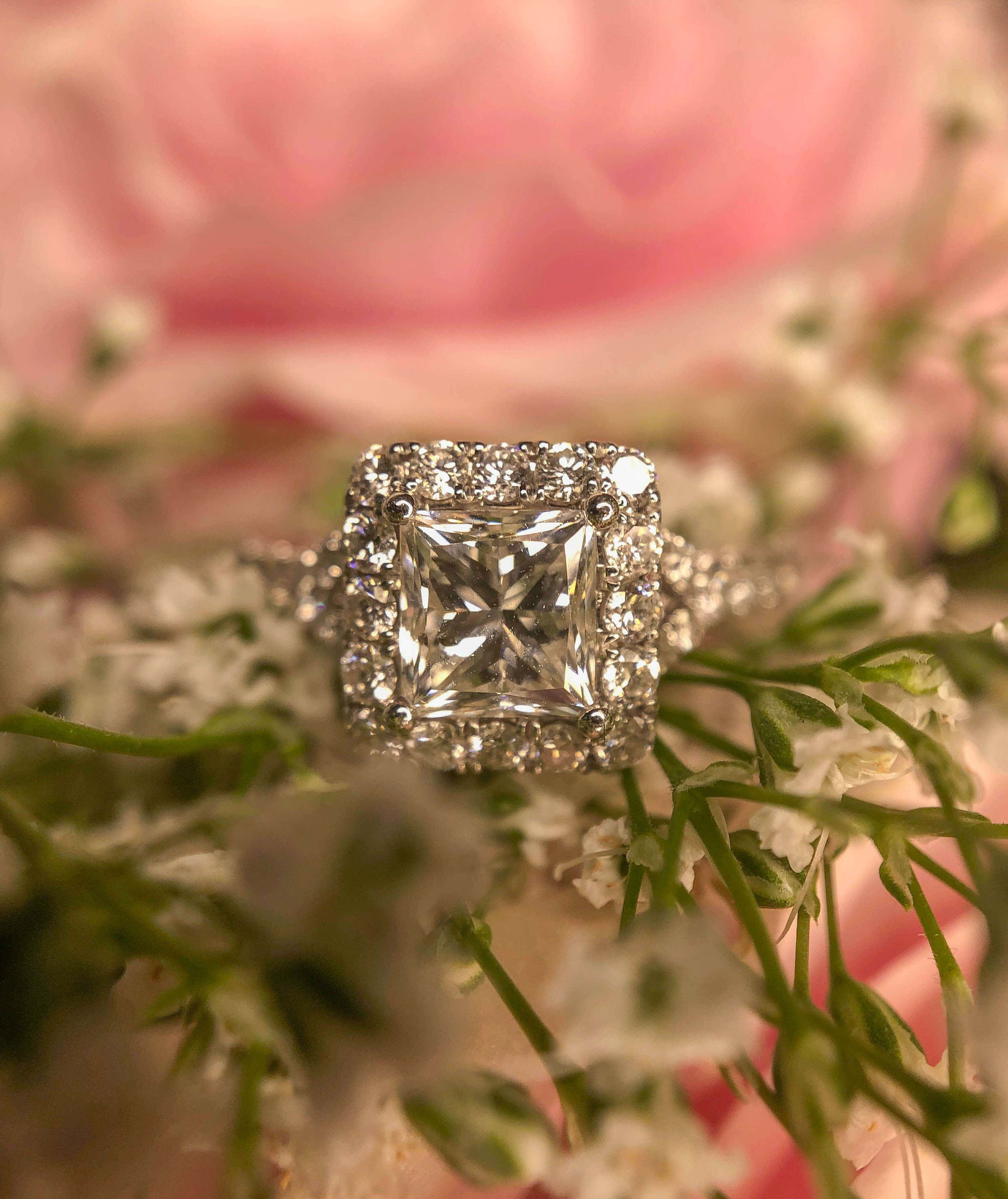 Princess Square Cut Engagement Ring Buying Guide
